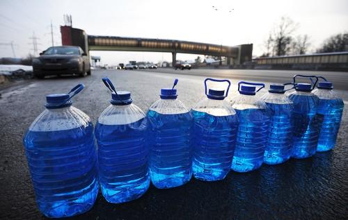 Несанкционированная продажа незамерзающей жидкости в Москве
