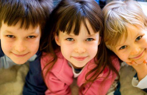 3-detskaua-dlua-troix-detei