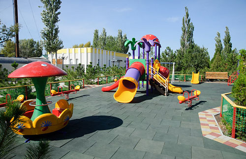 1340453723_zolotoj-bereg-baza-odyha-berdyansk-golden-beach-azov-more-sea-ukraine-playground1