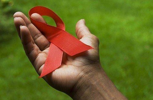 1321450134_vich_aids