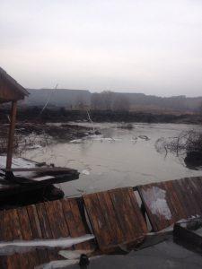 оползень 1 225x300 Страшный оползень с горной породой уничтожил озеро в Новокузнецком районе