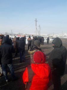 0f88c4c4eb0401be260e4a0e2be920c6 225x300 Дорога разреза Березовский снова заблокирована жителями. Полиция начала аресты и задержания
