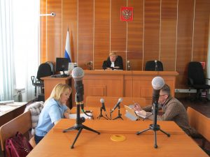 IMG 5190 300x225 Новокузнецкого гаишника судят за взятку