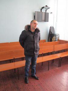 IMG 5210 225x300 Новокузнецкого гаишника судят за взятку